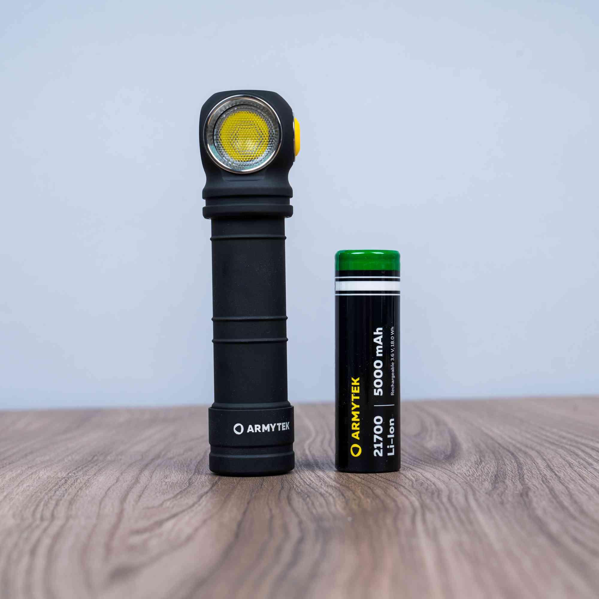 Armytek là hãng đèn theo đuổi triết lý thiết kế tối giản