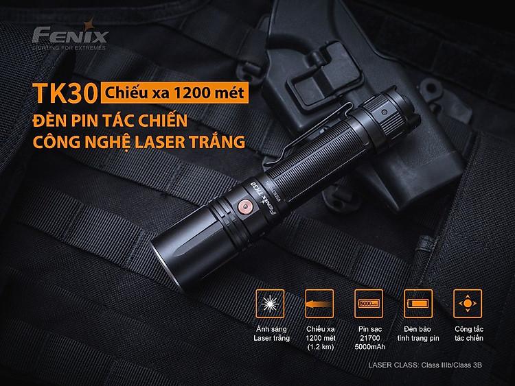 Thiết kế rất nam tính, nhỏ gọn. Fenix TK30 chiếu xa đến hơn 1 cây số